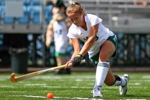 Ethan Magoc: Freshman defenseman Kellie Avery passes the ball up the field in the Lakers' 4-2 loss to